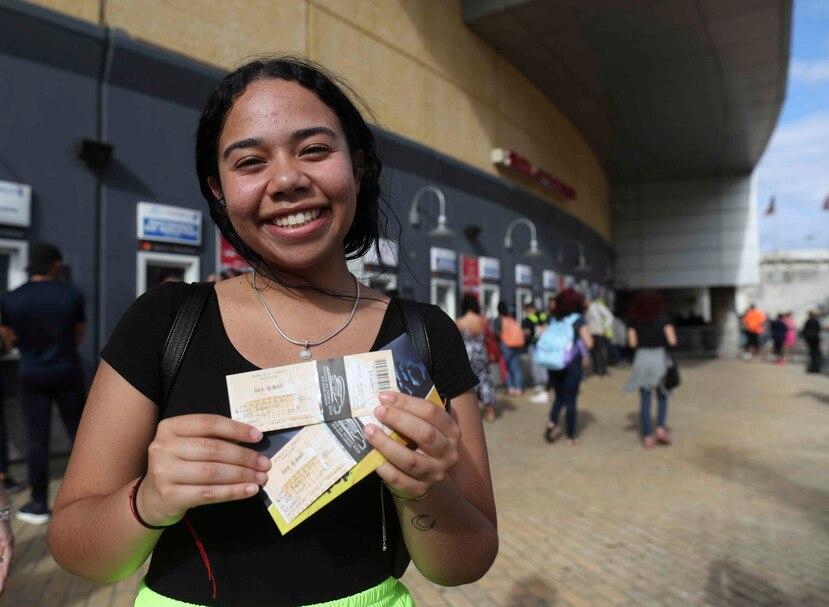 Alejandra Reyes fue la primera en llegar a la fila, a las 7:00 a.m. del viernes.