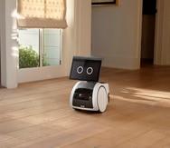 """El pequeño robot Astro mientras pase por una casa: tiene un precio de 1,000 dólares y la empresa lo ha catalogado como producto de """"Day 1 Edition""""."""