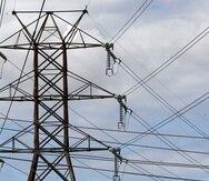 """Se informó que en la actualidad se tiene """"cero reserva"""" de energía para atender emergencias, como lo pudiese ser un huracán, con tal de evitar que los abonados se afectaran más de la deficiencia de generación de energía que se presentó el tener cuatro unidades de las centrales Aguirre, Costa Sur y Palo Seco fuera de servicio. (GFR Media)"""