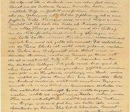Fotografía sin fecha proporcionada por la casa de subastas Kedem de una copia de una carta de 1922 escrita por Albert Einstein a su hermana menor Maja. (AP)
