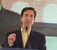 Luis Fortuño endosa a Thomas Rivera Schatz y le resta méritos a campaña lanzada en su contra