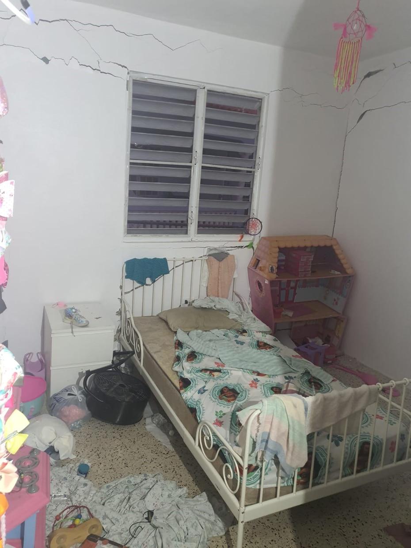 Vista de un cuarto de una residencia en Guayanilla. (Suministrada)