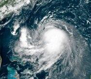 Foto de satélite que muestra la tormenta tropical Henri mientras se acerca a la costa noreste de Estados Unidos.