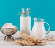 Aunque la leche de vaca sigue siendo la más popular según las ventas al por menor, las alternativas no lácteas alcanzaron el año pasado una cifra estimada de $2,950 millones, un 54% más que cinco años antes.