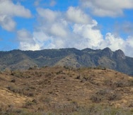 Imagen de archivo que muestra el área montañosa entre Cayey y Salinas bajo condiciones de sequía.