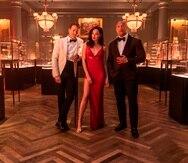 Los actores Ryan Reynolds, Gal Gadot y Dwayne Johnson, protagonizan la cinta de acción con toques de comedia.