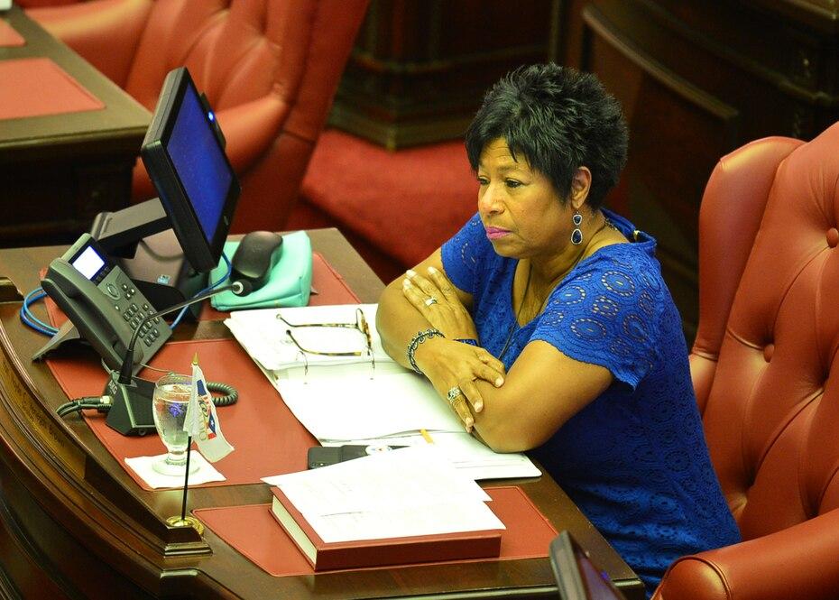 La senadora Nayda Venegas Brown paga $1,800 mensuales a su ayudante especial. Venega Brown cobra $6,147.92, su directora ejecutiva, Yamín Carrasquillo, $4,850, y su oficial de enlace, Edgar Lebrón Lebrón, $1,800.
