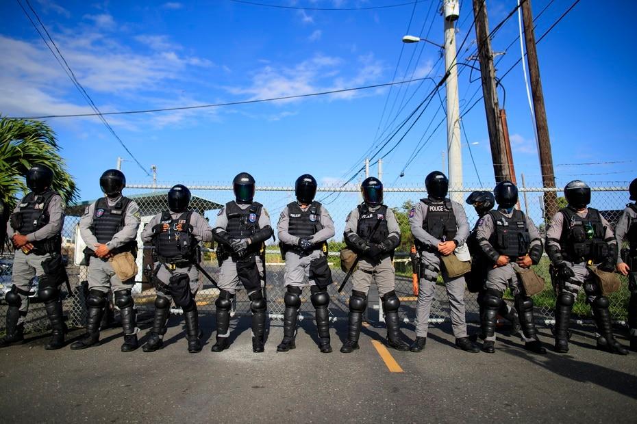 Tras el incidente, se activó la Fuerza de Choque frente a los portones, pero no hubo mayores altercados.