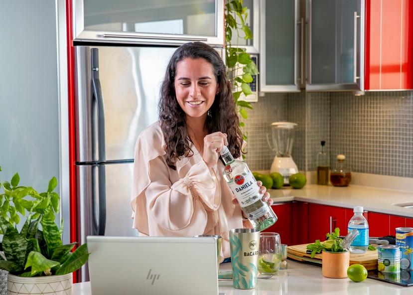 Los expertos en coctelería de Casa Bacardí compartirán el arte de elaborar cocteles de ron a través de experiencias virtuales.
