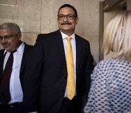El expresidente de la UPR Uroyoán Walker enfrenta cinco cargos, entre ellos, por malversación de fondos.