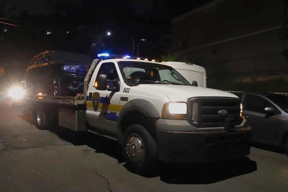 La Policía ocupó el vehículo Dodge, modelo Durango, propiedad de Félix Verdejo.