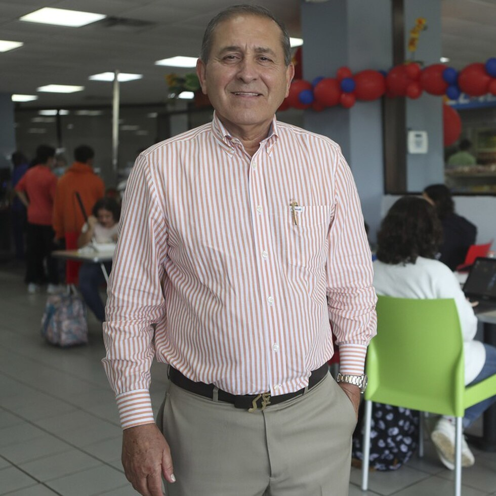 Nofal Dawahra al frente de las cafeterías Fazaa
