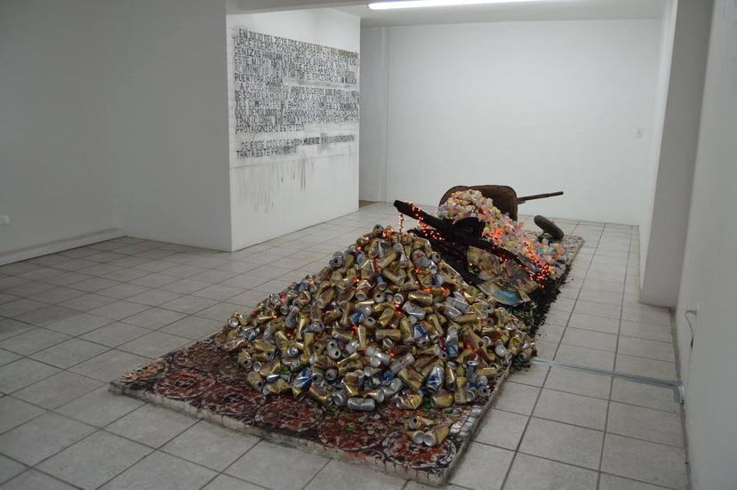 Quintana creó una instalación partiendo de las cenizas de su obra de arte. (Suministrada)