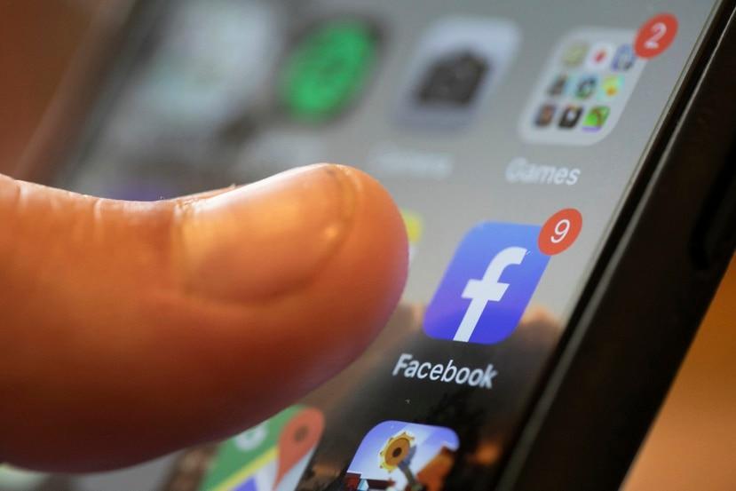 Empresas como Facebook, que operan divisiones enteras dedicadas a la venta de anuncios personalizados basados en los datos personales de sus usuarios, se oponen a la nueva opción de seguridad incluída en iOS 14.5.