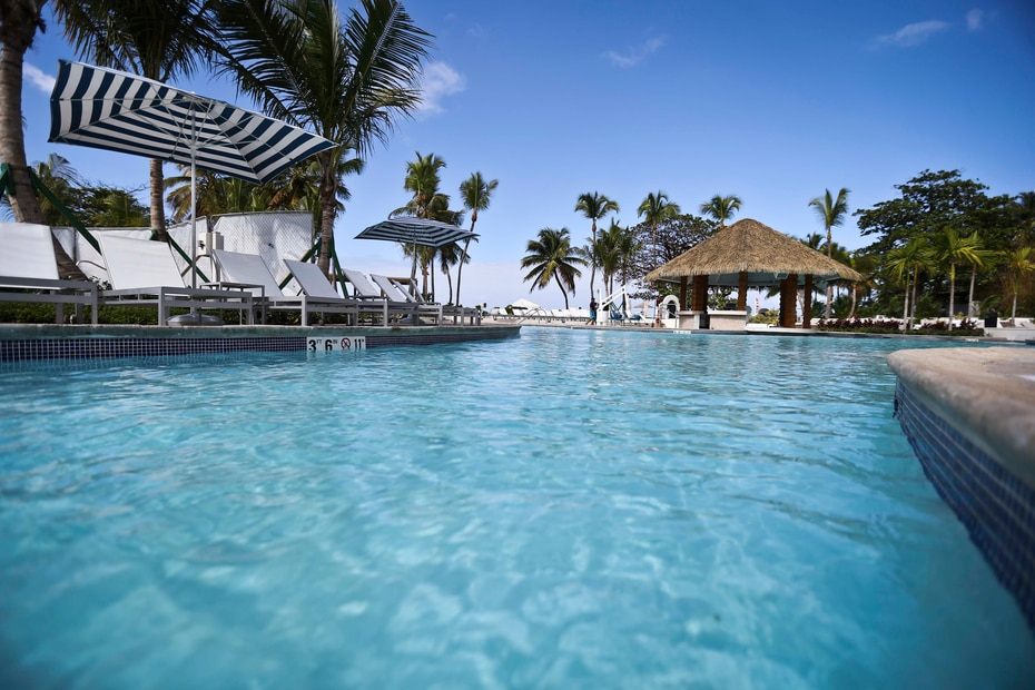 Detalle de una de las cuatro piscinas con que cuenta actualmente Fairmont El San Juan Hotel.