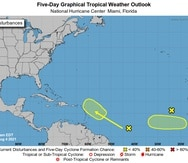 Mapa que muestra las dos zonas donde se podrían desarrollar dos ondas tropicales vigiladas por el Centro Nacional de Huracanes.