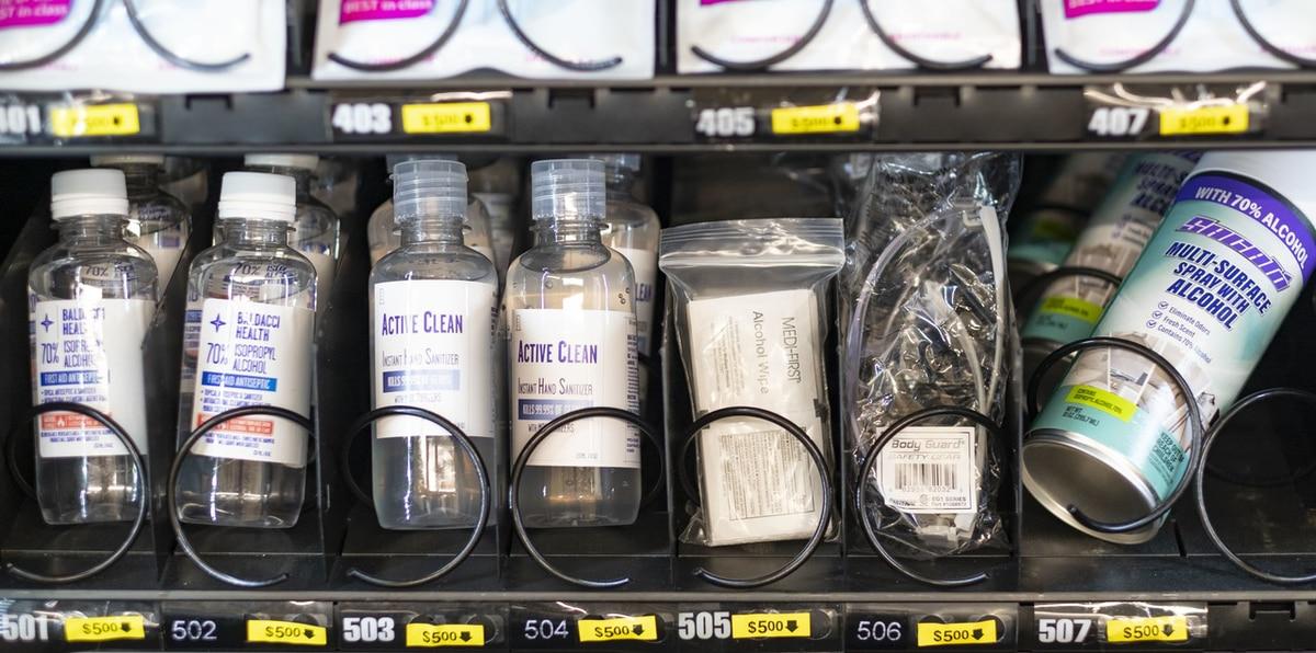 Ahora puedes encontrar productos para protegerte del COVID-19 en máquinas expendedoras
