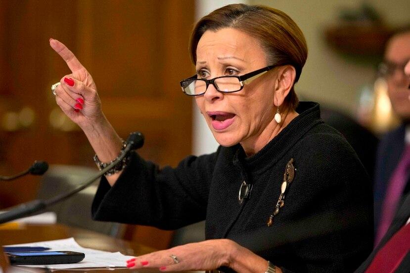 """La congresista demócrata Nydia Velázquez entiende que el Título III """"garantizará una reestructuración ordenada de la deuda"""". (Archivo / AP)"""