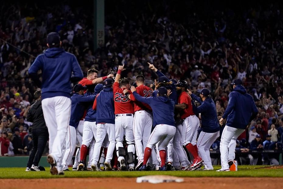 En la foto, Boston celebra la victoria ante Tampa Bay.