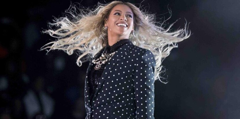 Beyoncé pidió que no le tomaran fotos pero los clientes no le hicieron caso. (AP)