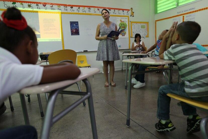 Zulma Ayes,  autora de  'Canito, el murciélago pescador'  estuvo en la Escuela Alejandro Tapia y Rivera.
