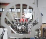 La nueva fórmula de Shell contiene una combinación de aditivos propietarios de Shell que incluye agentes limpiadores diseñados para prevenir desgastes en las piezas críticas del motor.