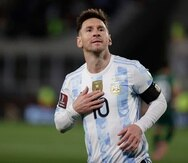 Lionel Messi celebra uno de sus goles contra Bolivia.