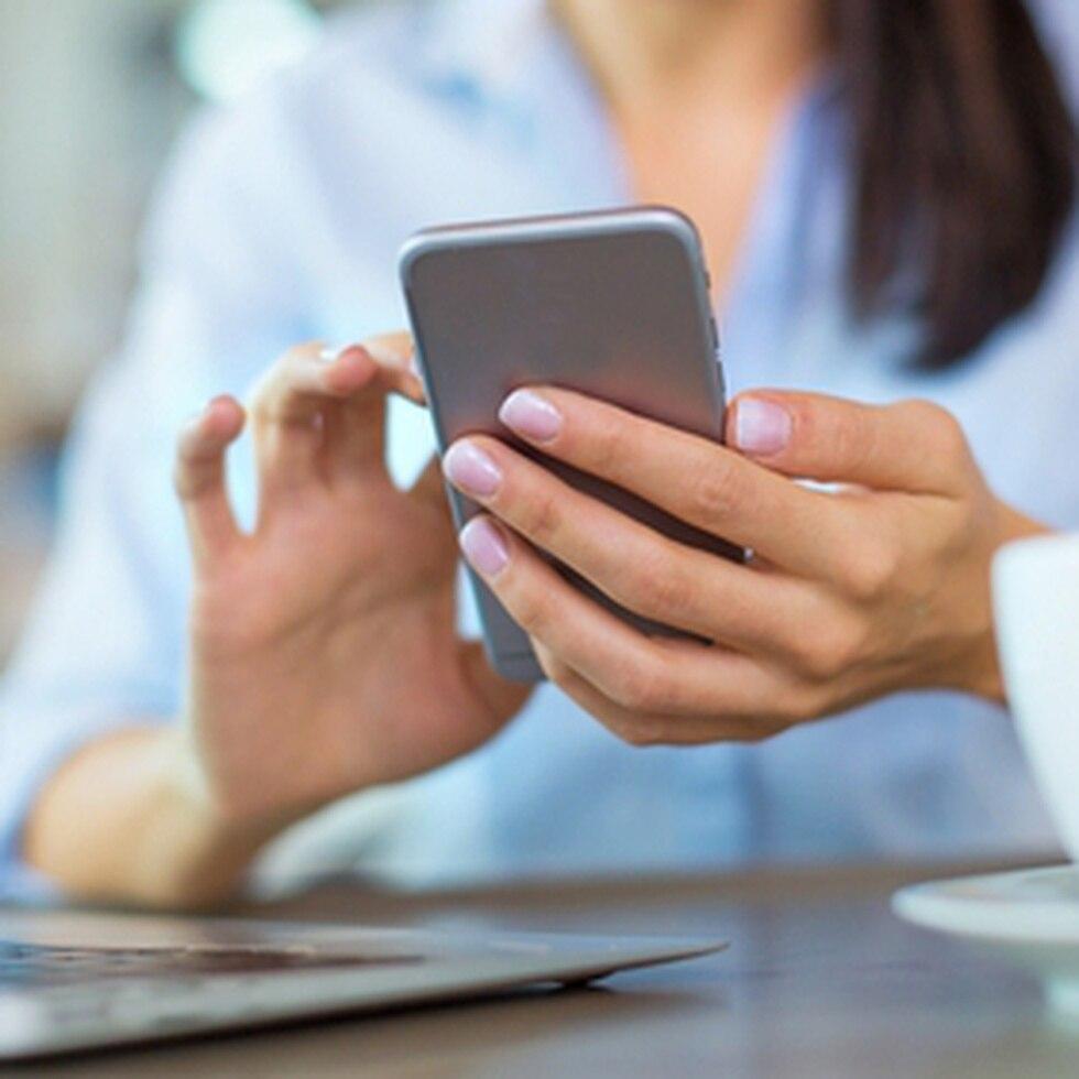 La nueva política permitirá a las mujeres obtener una receta para adquirir la píldora vía telemedicina y recibirla en el correo.