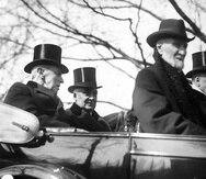 El presidente de los Estados Unidos, Woodrow Wilson, a la izquierda, firmó el acta Jones-Shafroth el 2 de marzo de 1917, la cual concedió la ciudadanía americana a toda personas nacida en Puerto Rico. (GFR Media)