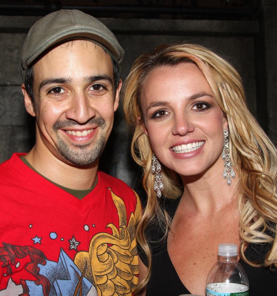 """Meses después, una Britney más sonriente asistió al musical """"In the heights"""", de Lin-Manuel Miranda."""
