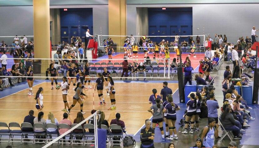 El evento de voleibol 'Power League Girls Champhionship' presentó hasta tres juegos en un día para algunos equipos participantes.