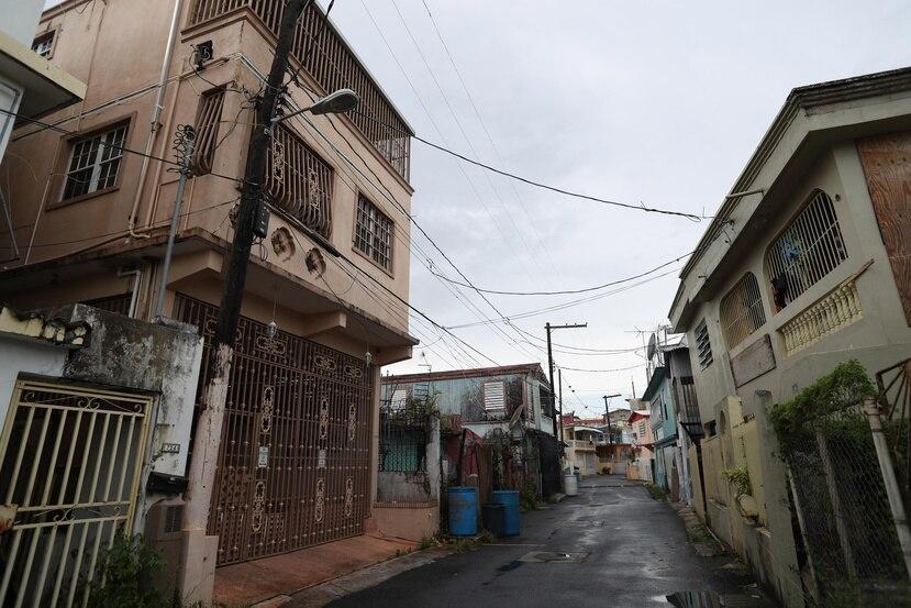 Debido a que muchos residentes de la comunidad Península de Cantera no tienen títulos de propiedad, todavía no han podido reparar los daños que el huracán María causó en sus viviendas.