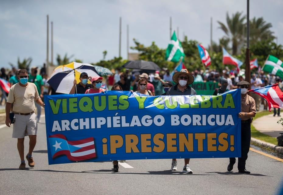 Residentes de Vieques y Culebra participaron en la manifestación.