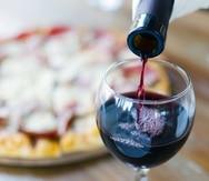 Según Rosana Miranda, las notas frutales y ligeras del Chardonnay mitigarán el fuerte sabor del tomate.