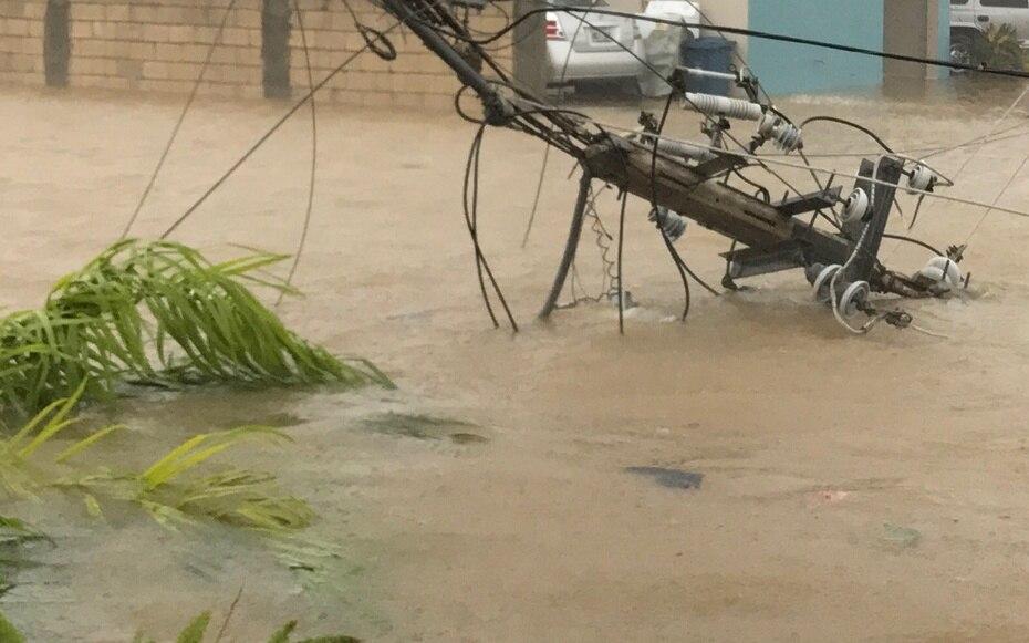 Grandes cantidades de agua también llegaron a Gurabo. (Paseo Santa Barbará - Gurabo / Ángel Luis García)