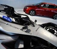 Nissan mostrará en el Salón del Automóvil de Sao Paulo la nueva generación del Leaf, arriba, y el auto que participará en Fórmula E el próximo año, abajo.