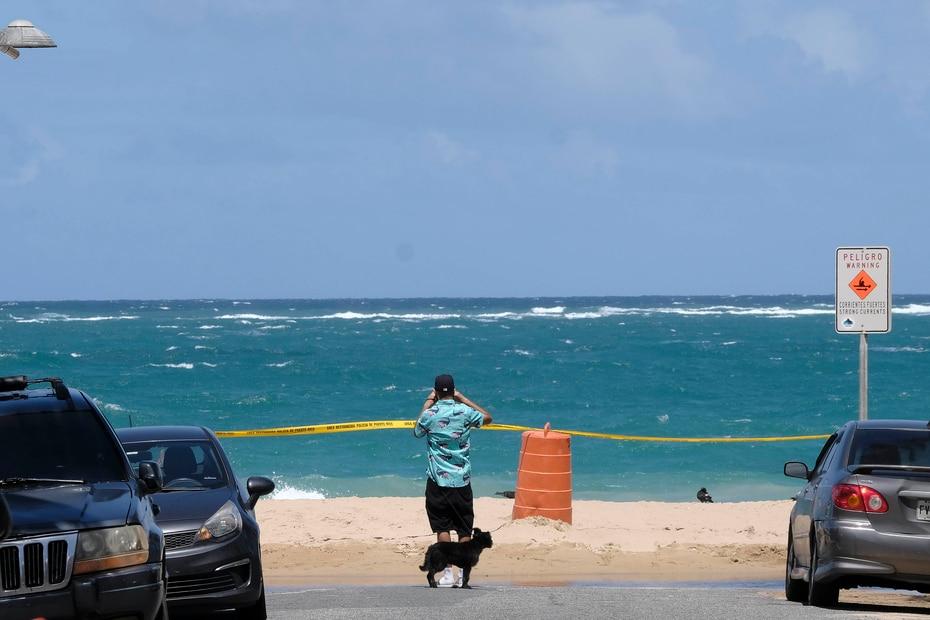 Las playas de Condado permanecen cerradas.