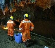 Las labores para bombear el agua continuaban, pero algunas partes de la cueva no se pueden drenar (AP).