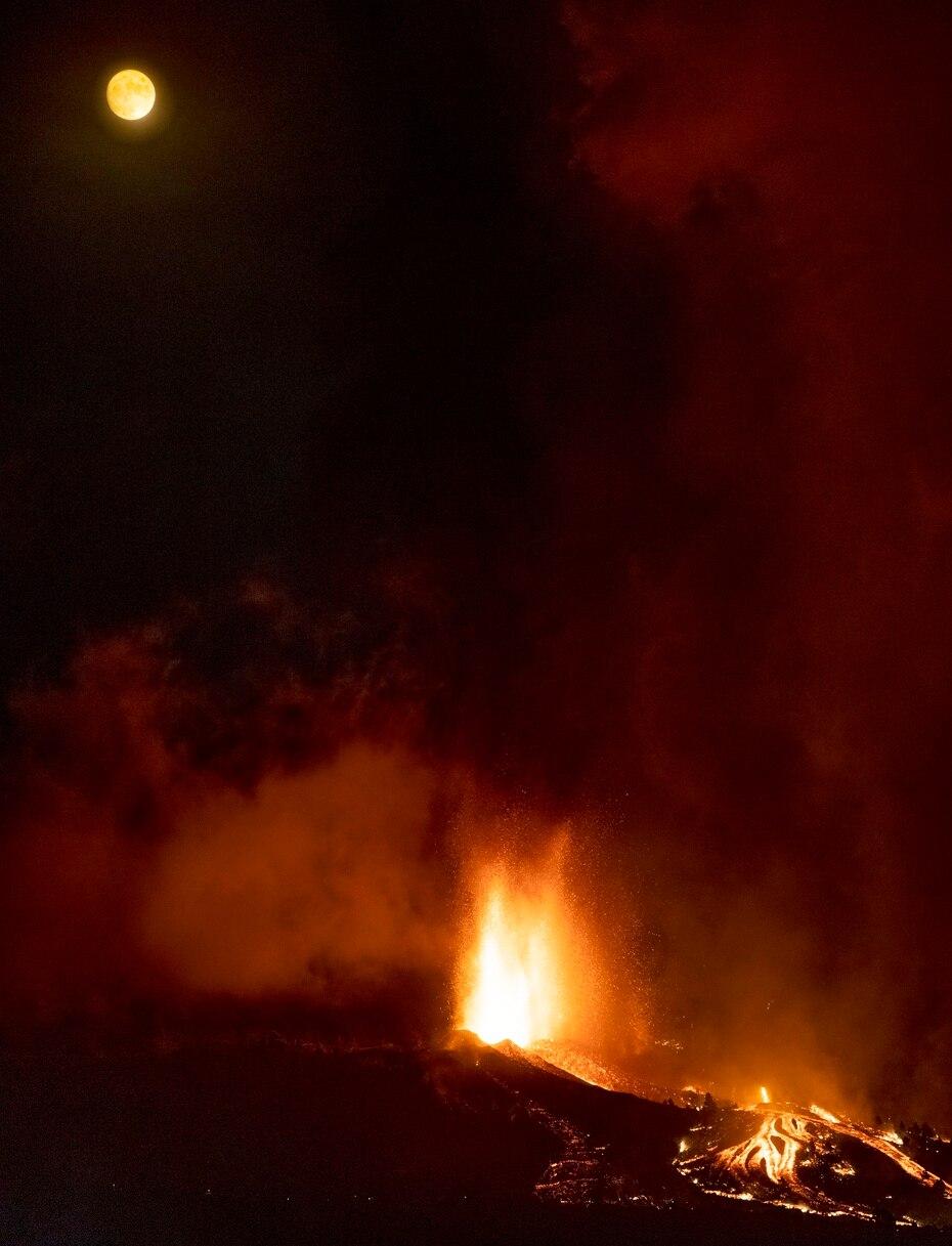 La primera erupción volcánica en La Palma se remonta a una fecha sin concretar entre 1430-1440, según el Instituto Geográfico Nacional.