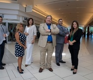 El equipo gerencial de Developers Diversified PR, desde la izquierda: Antonio Meléndez, Annette Alvarado, Martha Hermilla, Francis Xavier González, Edwin Vázquez, y Carola Pierluisi.