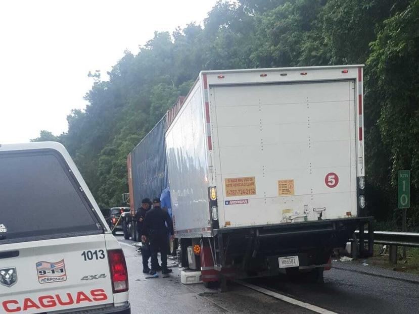 El conductor de uno de los camiones falleció el lugar.