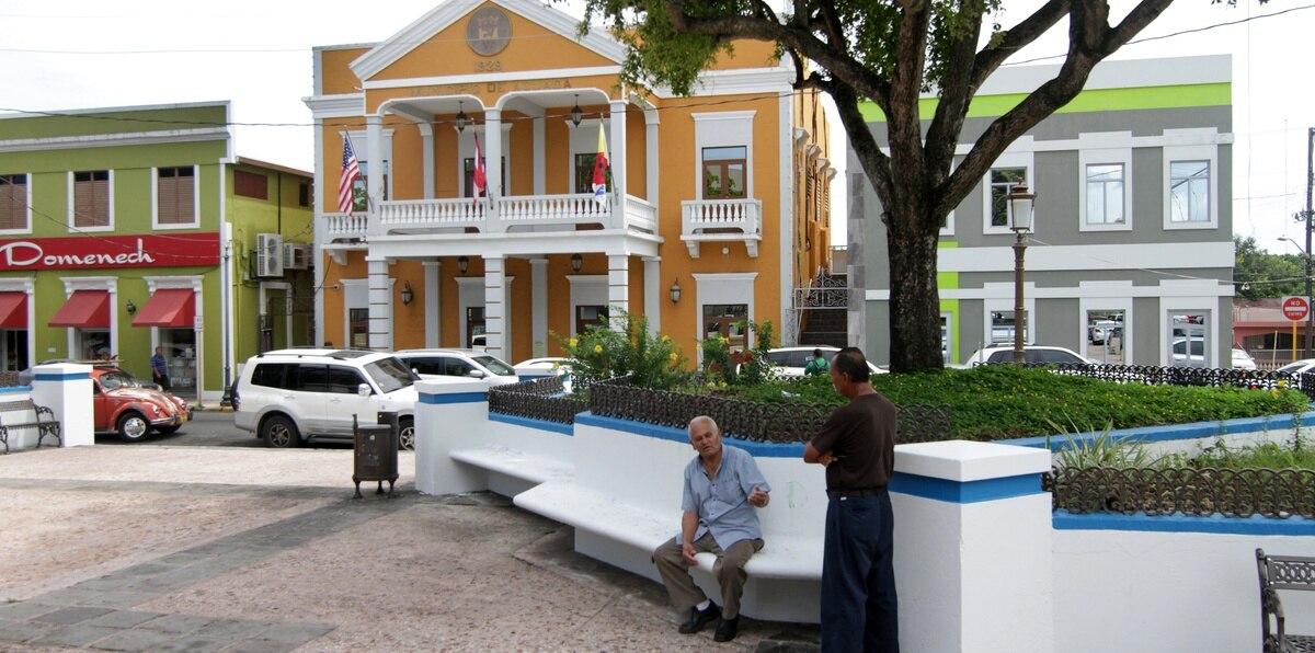 Vista del casco urbano de Aguada.