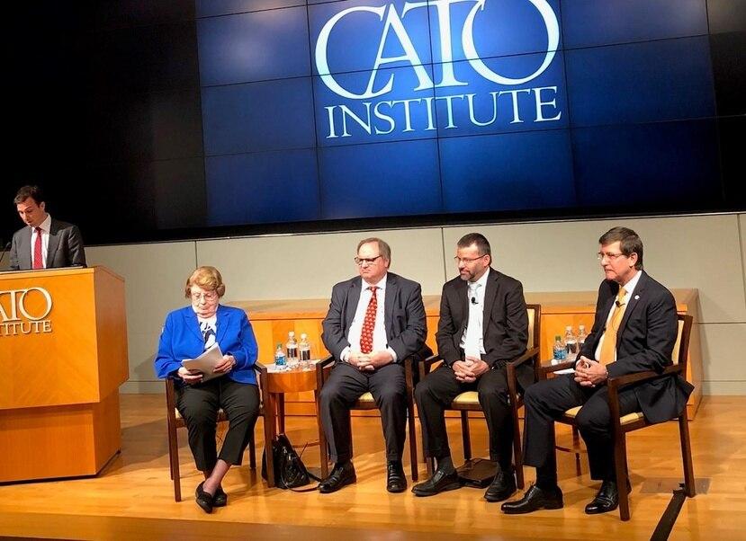 En el foro del Instituto Cato participaron los economistas Anne Krueger, John Dunham, Vicente Feliciano, y el secretario de Estado, Luis Rivera Marín. (Suministrada)