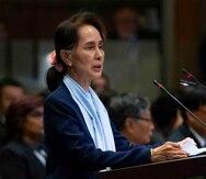La líder de Birmania Aung San Suu Kyi pronuncia un discurso ante los jueces de la Corte Internacional de Justicia, en La Haya. (AP)