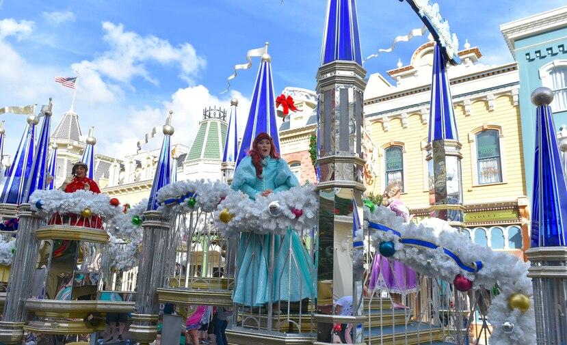 Los desfiles en Magic Kindom incluyen la presencia de las princesas.
