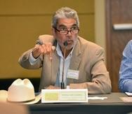 El presidente de la Asociación de Agricultores, Héctor Cordero, denunció que el Fideicomiso para Ciencia y Tecnología -entidad que administra los fondos del Programa Regrow- debería estar desembolsando 120 casos mensuales, pero solo desembolsan aproximadamente 8 casos por mes.