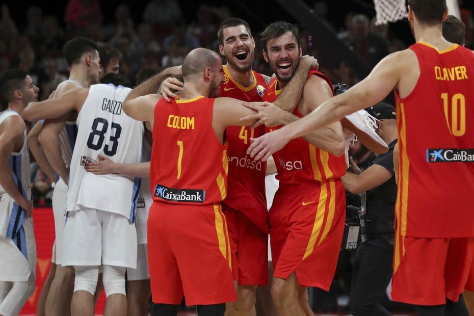 El equipo español finalizó invicto. (AP)