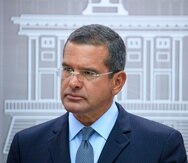 El gobernador Pedro Pierluisi durante la conferencia de prensa en la que anunció el uso de los fondos federales.