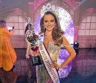 Yannina Ruiz se coronó como Miss Petite International 2021.