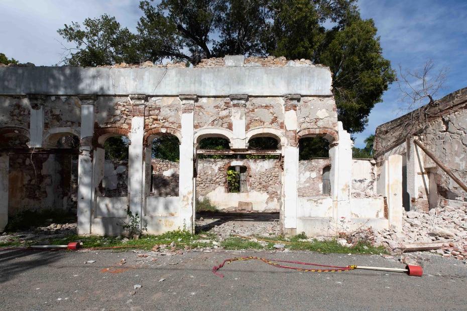 La antigua casona de la Hacienda Santa Rita en Guánica sufrió daños estructurales severos a causa de los terremotos.